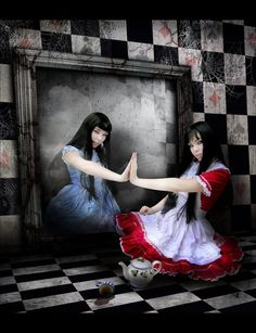 Google Image Result for http://img-cache.cdn.gaiaonline.com/34aaa0d955a221c60841b3c3df9f886b/http://gothicart.in-pics.com/img/gothic-alice-in-wonderland.jpg