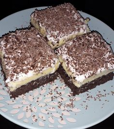 Kedvenc sütim Hungarian Recipes, Cookie Desserts, Cake Cookies, Tiramisu, Sweets, Snacks, Ethnic Recipes, Food, Drinks