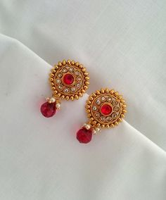Gold Earrings Designs, Gold Jewellery Design, Necklace Designs, Ruby Earrings, Pearl Drop Earrings, Or Antique, Antique Jewelry, Temple Jewellery, Ear Rings