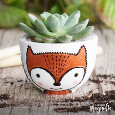 Idea Of Making Plant Pots At Home // Flower Pots From Cement Marbles // Home Decoration Ideas – Top Soop Painted Flower Pots, Painted Pots, Big Plants, Exotic Plants, Clay Pot Crafts, Diy And Crafts, Flower Pot Design, Sympathy Flowers, Blue Bouquet