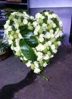 Die 8 besten Bilder von Blumenschmuck Urnen Beerdigung
