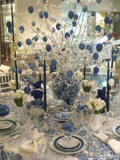 All the blues go together so well - what a fun table to have Easter dinner.