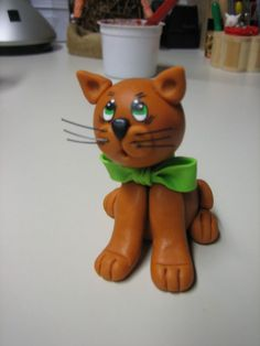 Cat cake topper...