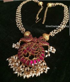 jewelry design for marriage Gold Jewellery Design, Bead Jewellery, Clay Jewelry, Jewellery Shops, Temple Jewellery, Handmade Jewellery, Earrings Handmade, Jewelry Rings, Gold Jewelry Simple