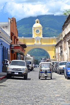A week in Guatemala is the perfect amount of time to get your toes wet in this vast country. Markets, lakes, volcanoes - make your week in Guatemala count!