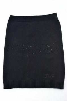 Liu Jo Collo lana scaldacollo donna con strass applicati nero. - Ronca 1862 srl - Liu Jo Scaldacollo collo donna nero in lana con strass e logo applicati in tono colore.