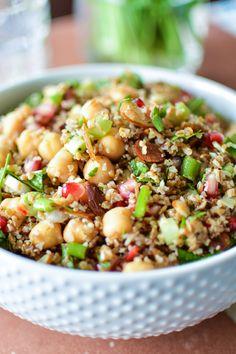 Bulgur Salad with Chickpeas, Pomegranate Seeds and Almonds | www.cookingandbeer.com | @jalanesulia