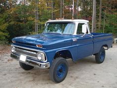trucks and cars 1966 Chevy Truck, Vintage Chevy Trucks, Classic Chevy Trucks, Chevrolet Trucks, Classic Cars, Chevy Pickup Trucks, Gm Trucks, Cool Trucks, Gmc 4x4