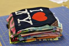T-Shirt Quilt (A Tutorial) How to make a memory quilt from baby blankets, clothes and t-shirts. DIY tutorial 7 via How to make a memory quilt from baby blankets, clothes and t-shirts. DIY tutorial 7 via T-shirt Quilts, Rag Quilt, Blue Quilts, Easy Quilts, Quilting Tutorials, Sewing Tutorials, Diy Quilting, Sewing Hacks, Sewing Crafts