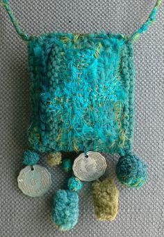 Collier/Pendentif/Talisman textile.  Bleu des mers du par VeronikB