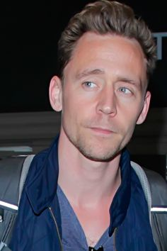 Tom Hiddleston seen at LAX in Los Angeles on May 31, 2016. Full size image: http://www.tomhiddleston.us/gallery/albums/2016/candids/310516/023.jpg Source: http://www.tomhiddleston.us/gallery/thumbnails.php?album=738