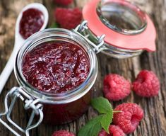 The Women's Institutes's beginner's guide to making raspberry jam | Countryfile.com