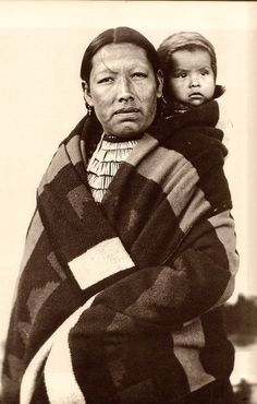 Northern Cheyenne mother and child - 1908
