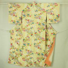 Cream, komon kimono / クリーム色地 はんなりの扇花柄 小紋