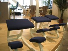 Variable balans kneeling chair - there is only one original !