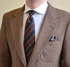 Dapper combo featuring a regimental striped tie. Xavier Serrano, Ex Best Friend, Brown Suits, Young Prince, Tie Accessories, Tie Styles, Jackett, Dapper, Character Inspiration
