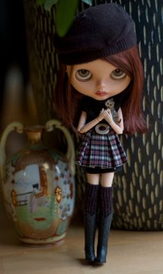 Black and Plaid Retro Dress, Classic Artists Beret, And Long Black Socks For Blythe Doll