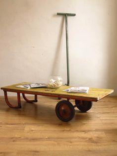 L'ancien charriot table basse
