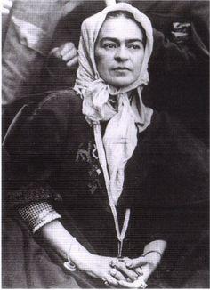 Frida, photographed