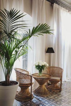 5 Beautiful Riads in Marrakech :: This Is Glamorous Interior Garden, Decor Interior Design, Interior Design Living Room, Living Room Designs, Riads In Marrakech, Marrakesh, Cedar Door, Cute Living Room, Architecture