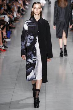 DKNY Spring 2016 Ready-to-Wear Fashion Show a798e6c7524