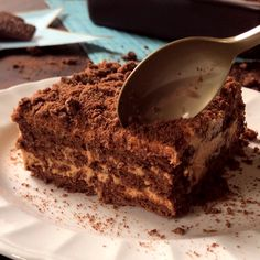 Best Chocolate Cake Recipe {& Chocolate Buttercream} – Cooking Classy - New ideas Cake Recipes Without Oven, Easy Cake Recipes, Sweet Recipes, Cookie Recipes, Dessert Recipes, Amazing Chocolate Cake Recipe, Chocolate Fudge Cake, Chocolate Recipes, Oreo Cake