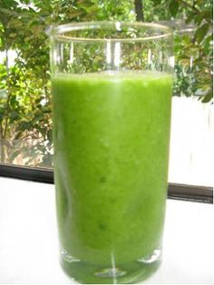"from greensmoothiegirl.com, green smoothie recipe:  Here's my everyday green smoothie ""template"" recipe.  It allows you to use virtually any green, and any fruit, maximizing the greens.  Enjoy!    Robyn's Green Smoothie Template Recipe    Makes 8 cups of 100% raw smoothie.    Put 2 1/2 cups filtered water in the BlendTec Total Blender.    Optionally, add:    ½ tsp. stevia (herbal sweetener) or ¼ cup raw, organic agave nectar (low glycemic index)    ¼ whole lemon, including peel (anti-skin cancer, high in flavanoids)    2-3 Tbsp. fresh, refrigerated flax oil (omega-3 rich oil)    Gradually add greens until, briefly pureed, the mixture comes up the 5-cup line (or less if you are ""converting""):    ¾ to 1 lb. raw, washed greens, added up to 5 ½ cup line:    spinach, chard, kale, collards    Puree greens mixture for 90 seconds until very smooth.    Gradually add fruit until the container is very full, blend 90 seconds or until smooth:    1-2 bananas    1-2 cups frozen mixed berries    any other fruit to taste: pears, peaches, apples, oranges, apricots, cantaloupe, mango, pineapple    Make a full blender and you'll have some to drink, and some to share.  I know from my research that 84 percent of my readers who have adopted a green-smoothie habit are teaching others about it!    That's your goal for today!    To Your Health,    –Robyn Openshaw    p.s.  Tips:  For beginners and those trying to convert children, consider using LESS greens and MORE fruit (especially berries and bananas) in the beginning, gradually working up to a 50/50 ratio as described here.  With kids, consider using only spinach the first few days, then sneak in chard, collards, and kale, the other mild but excellent greens gradually.  Add other savory or bitter greens only when your family are ""experts"" in green smoothies!  Add a bit more water if you feel the smoothie is too thick."