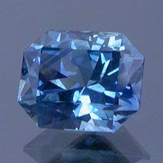 blue gemstomg rolal to cornflower blue sapphire