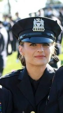 Beckett 41319. Am I the only one who keeps up with her badge #??