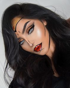 Inspiration & Accessoires: Wonder Woman Kostüm Make Up selb. - Beauty, Make-Up Inspiration & Accessoires: Wonder Woman Kostüm Make Up selber machen Cool Halloween Makeup, Halloween Makeup Looks, Halloween 2020, Halloween Halloween, Halloween Makeuo, Halloween Parties, Pretty Halloween Costumes, Rabbit Halloween, Halloween Eyeshadow
