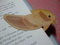 Angela's Crafty Blogspace: Bird Bookmark // imprimible punto de libro pajaro