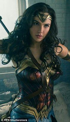 Gal Gadot as Wonder Woman Wonder Woman Art, Gal Gadot Wonder Woman, Wonder Woman Movie, Wonder Women, Supergirl, William Moulton Marston, Super Heroine, Gal Gardot, Marvel Dc