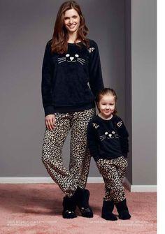 Catherine's 1101 Polar Çocuk Pijama Takım 2017 - 2018 sonbahar - kış koleksiyonumuzda beğeninize sunuldu. Catherine's 1101 Polar Çocuk Pijama Takım içeriği %100 polar kumaştan üretilmiştir. Mom And Baby Outfits, Cute Outfits, Cute Pajama Sets, Baby Suit, Pajamas Women, Night Suit, Trendy Dresses, Matching Outfits, Aesthetic Clothes