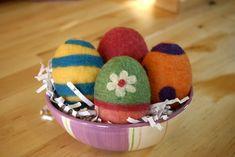 Needle Felting Easter Eggs - Free Felting Tutorial | Living Felt