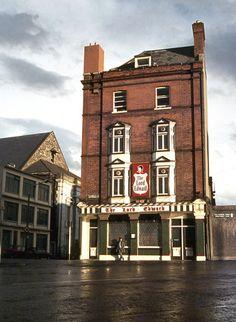 The Lord Edward pub and Fallon's – two Dublin 8 institutions Restaurants In Dublin, Dublin Pubs, Dublin City, Dublin Ireland, Iconic Photos, Old Photos, Irish Bar, Images Of Ireland, Ireland Homes
