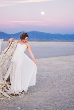 Bridals www.photosbycait.com Pose Formals bride Antelope Island Utah Utah photography Photos by Cait Insta: @Photosbycait1