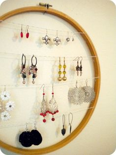 Twigs and Berries: Embroidery Hoop Earring Holder