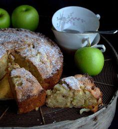 Aprenda a fazer Bolo rico de maçã de maneira fácil e económica. As melhores receitas estão aqui, entre e aprenda a cozinhar como um verdadeiro chef.