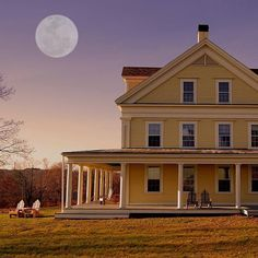 Happy New Year, everyone! I\'m going to try to push the color shots in 2017, here at Instagram. This is Laudholm Farm, Wells, Maine, under a full moon. #igersmaine #maine #igersnewengland #wells #laudholmfarm #oldhouse #yellowhouse #moonlight #fullmoon #moon #adirondackchairs #porch #frontporch #historical #gokennebunks @gokennebunks