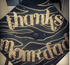 Graduation | Decorated grad cap. Black and gold!