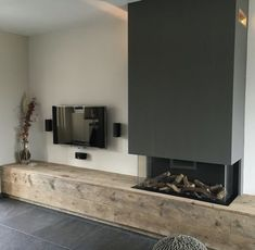 Most current Cost-Free Contemporary Fireplace with tv Suggestions Modern fireplace designs can cover a broader category compared with their contemporary counterparts. Home Fireplace, Modern Fireplace, Fireplace Design, Fireplaces, Fireplace Ideas, Home Living Room, Interior Design Living Room, Living Room Designs, Living Room Decor