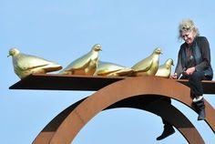 Marte Roling haalt haar duiven op.JPG 470×315 pixels