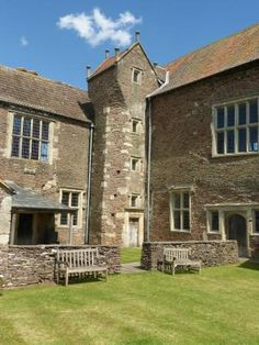 Acton Court (Iron Acton, England): Top Tips Before You Go - TripAdvisor Tower House, 4 Photos, Trip Advisor, Places To Visit, Castle, Iron, Mansions, England Top, House Styles