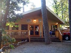 Yosemite Bug hostel: Super cute, super affordable. $25 and up. Private rooms for around $100. http://www.yosemitebug.com/