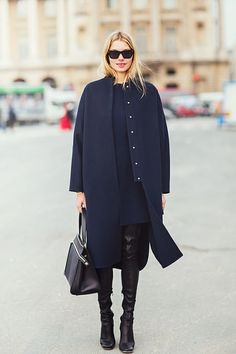 Tired of wearing black, black and more black?Timeto mix it up and throw in a little French navy BLACK would have to be the most popular colour in the world. It's Fashion 101 and there'sa reason …
