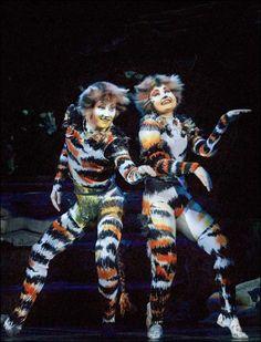 Mungojerrie & Rumpleteazer Cat Costumes, Dance Costumes, Costume Ideas, Cats Musical, Musical Theatre, Crazy Cat Lady, Crazy Cats, Cats Cast, Jellicle Cats