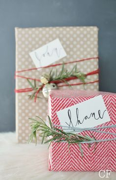 Christmas wrapping with Calligraphy Tags from Glitter + Grain Winter Christmas, All Things Christmas, Christmas Holidays, Christmas Crafts, Christmas Decorations, Office Decorations, Christmas Design, Christmas Gift Wrapping, Christmas Presents