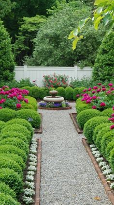 Boxwood garden - 50 New Front Yard Landscaping Design Ideas HomeBestIdea - Bo. - Boxwood garden – 50 New Front Yard Landscaping Design Ideas HomeBestIdea – Boxwood garden, F - Boxwood Garden, Garden Shrubs, Garden Paths, Boxwood Hedge, Garden Borders, Evergreen Garden, Garden Edging, Edging Plants, Formal Gardens