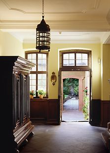 Hausflur - Goethe's house in Frankfurt Cottage Office, Frankfurt Germany, Küchen Design, Interior Design, Gazebo, Outdoor Structures, Architecture, Modern, Manor Houses