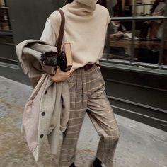 Tomboy Fashion, Look Fashion, Korean Fashion, Autumn Fashion, Fashion Outfits, Fashion Pants, Girl Fashion, Parisian Fashion, Fashion Women